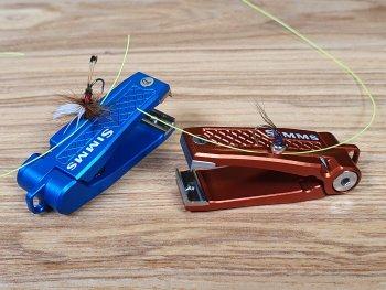 Simms Pro Nipper Schnurclip mit magnetischen Fliegeneinfädler